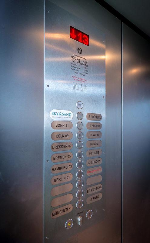 SKY & SAND BEACHCLUB 2015 - 7 - Fahrstuhl 13. Stock